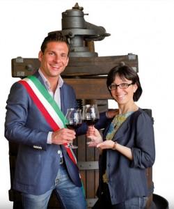 Daniele Baglione, Sindaco di Gattinara, e Luisa Cerri, Assessore alla Cultura